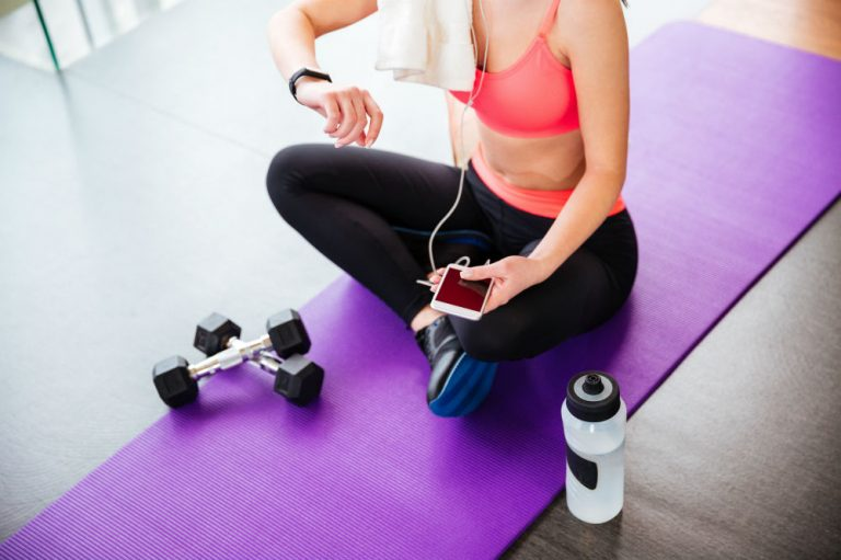 Best Fitness Tracker Waterproof or Water-Resistant Devices on a Budget